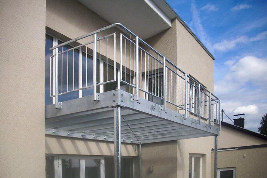 trier und metallbau tore zaunanlagen treppen balkongel nder gel nder vord cher. Black Bedroom Furniture Sets. Home Design Ideas